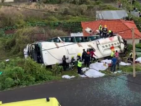 Un autobús se accidentaen Portugal 29 personas mueren.