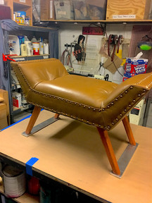 Leather Upholstered Throne with Tufts from MARY STUART