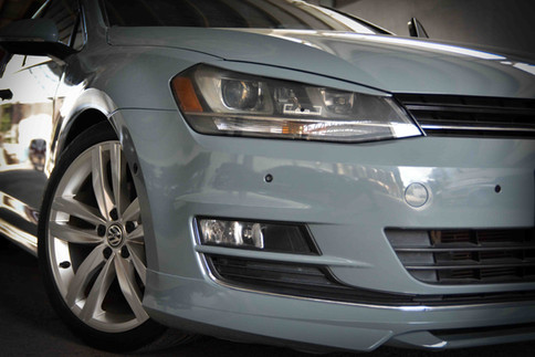 headlight-car-photography.jpg