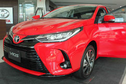 red-car-photography.jpg