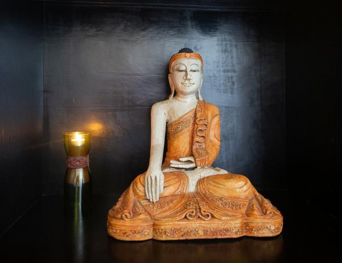 Buddha in meiner Praxis für TCM