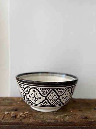 HOUSEHOLD HARDWARE - Bowl black & white L