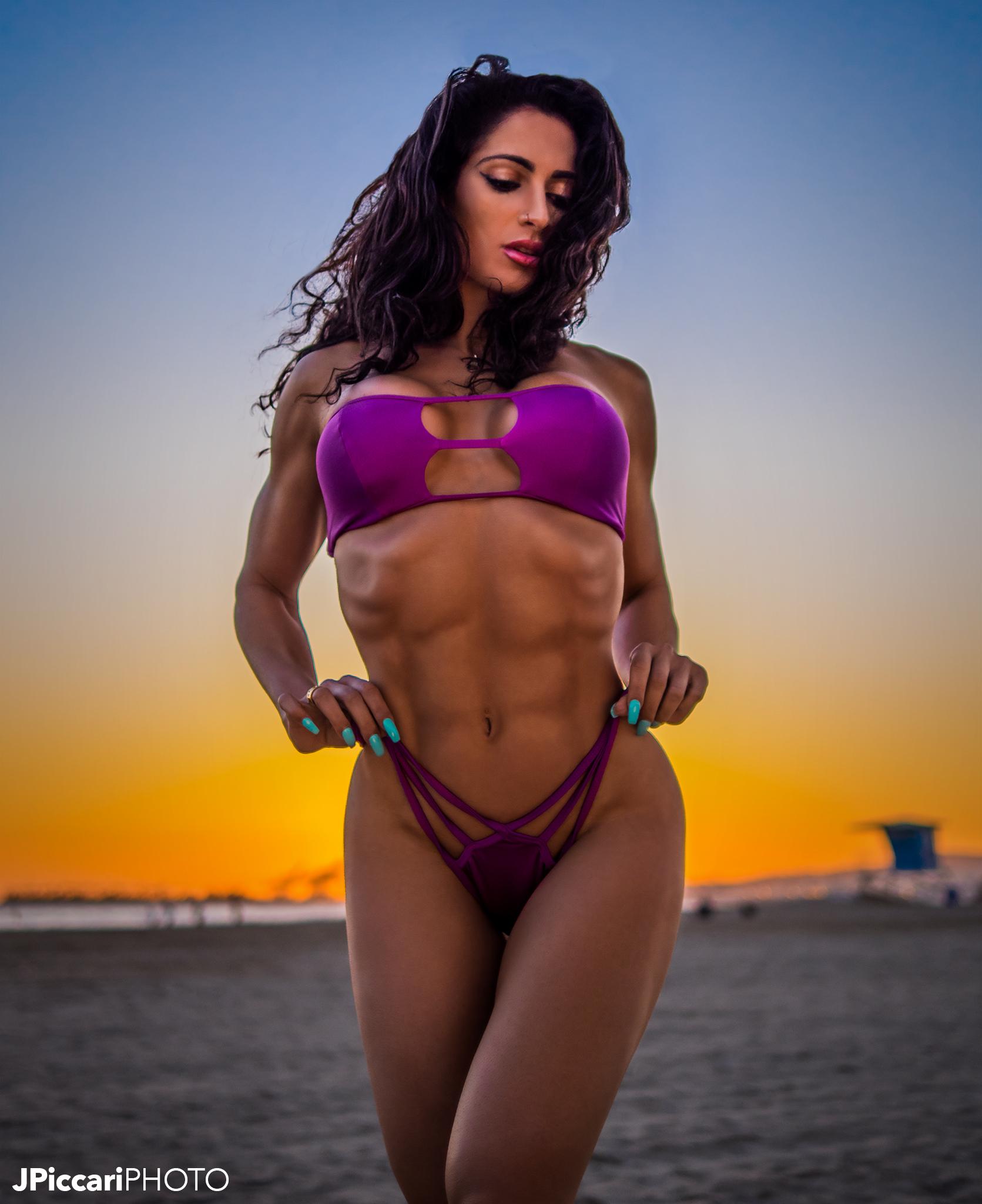 Tamara_BikinisP1910426