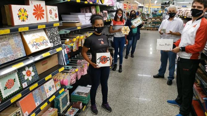Cooperouro e Fundação Aleijadinho firmam parceria para venda de artesanato na loja