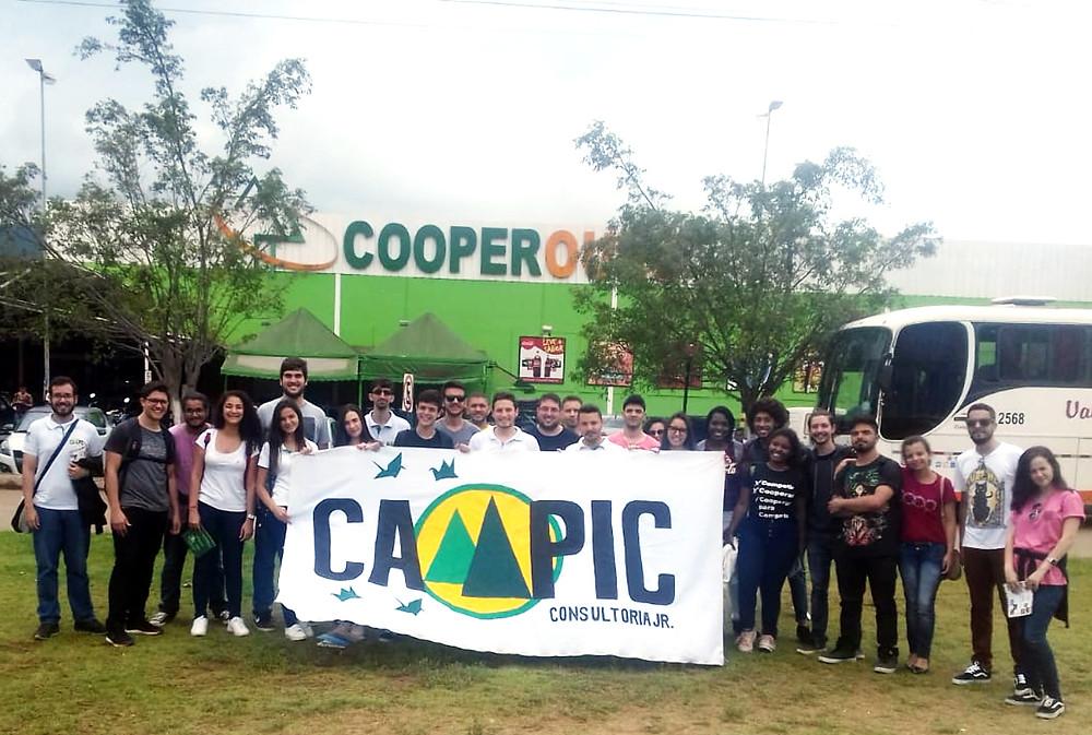 Comitiva do curso de Cooperativismo da UFV visitou a Cooperouro