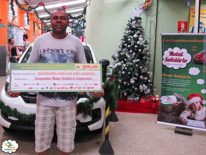 Ganhadores do 1º sorteio do Natal Solidário Cooperouro