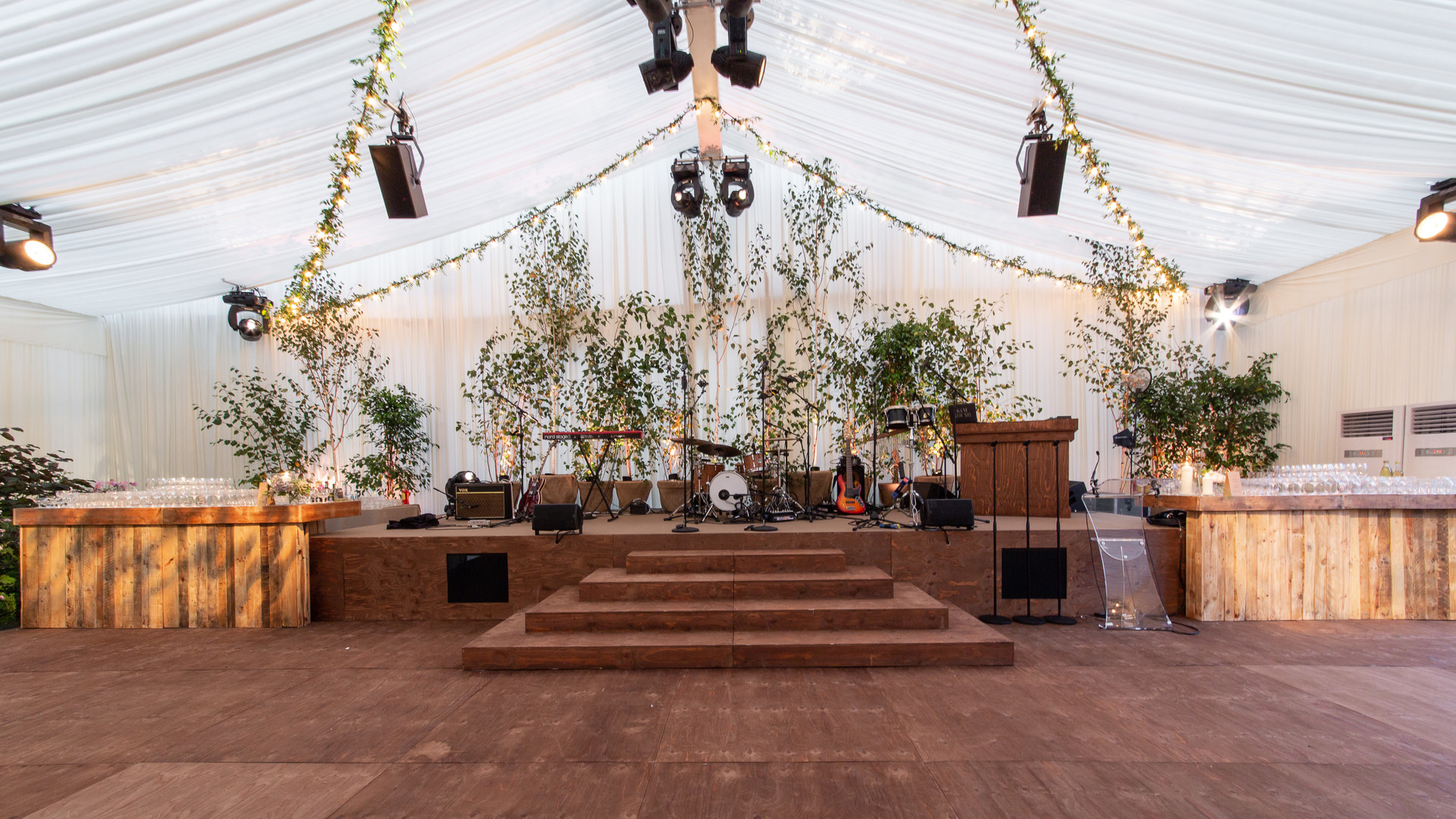 Rustic staging