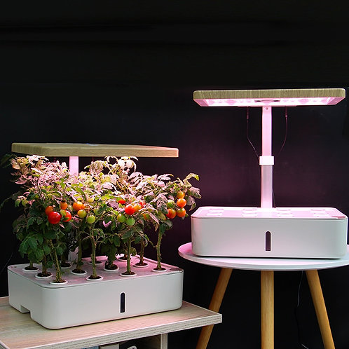 Smart Planter =Hydroponic system with full spectrum light.