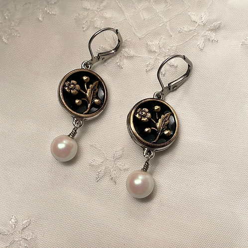 Antique Button With Pearl Silver Earrings