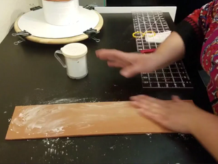 Easiest Way To Cover A Dummy Cake Using The Wrap Around Method