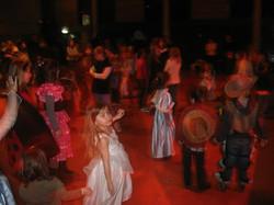 enfants danses carnaval louhan