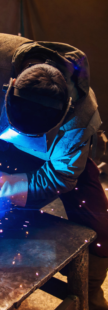 man-welding-P4QB7N2.jpg