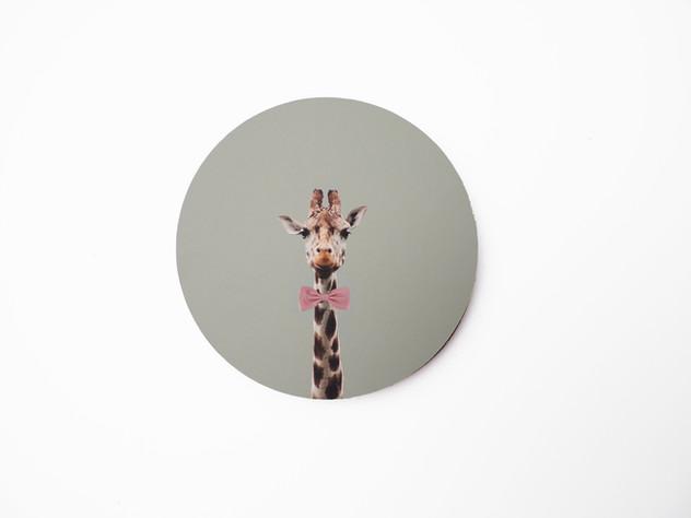 Holzbild rund, MDF schwarz durchfärbt, Lochbohrung als Aufhängung auf der Rückseite. Erhältlich in vier verschiedenen Größen: 15cm - 29€ 20cm - 36€ 25cm - 42€ 30cm - 49€  Artikelnr: HR 3003