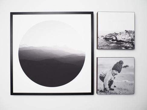 Kunstdruck 32x32cm inkl. schwarzem Aluminium-Bilderrahmen   1x 32x32cm Kunstdruck + 2x MDF Bild - davon ein individuelles Bild von dir oder deinen Lieben.  Set 99€  Artikelnr: 4007 Bestellung per Kontaktformular