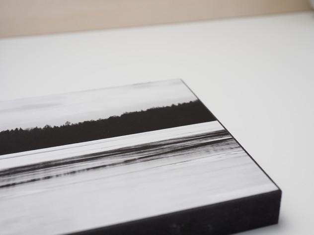 Holzbild 15x15cm  Kunstdruck auf schwarz durchfärbtem MDF. Zum hinhängen und hinstellen!  29€  Artikelnr: 2007 Bestellung per Kontaktformular