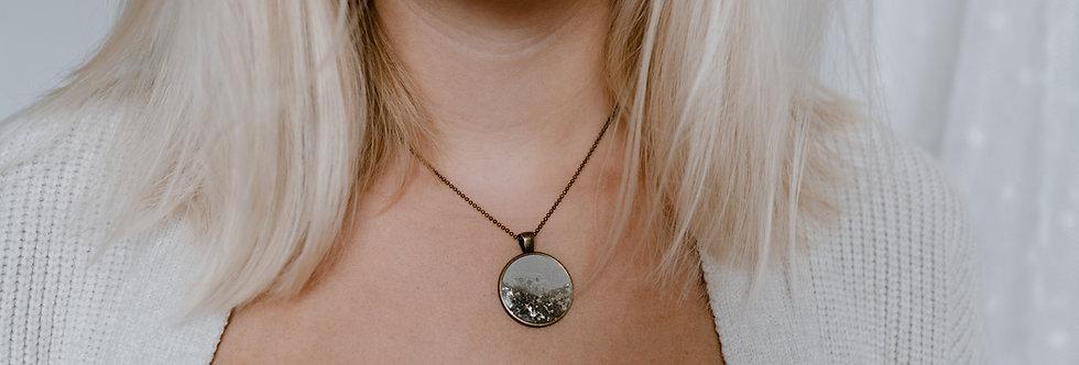 golden flakes pendant