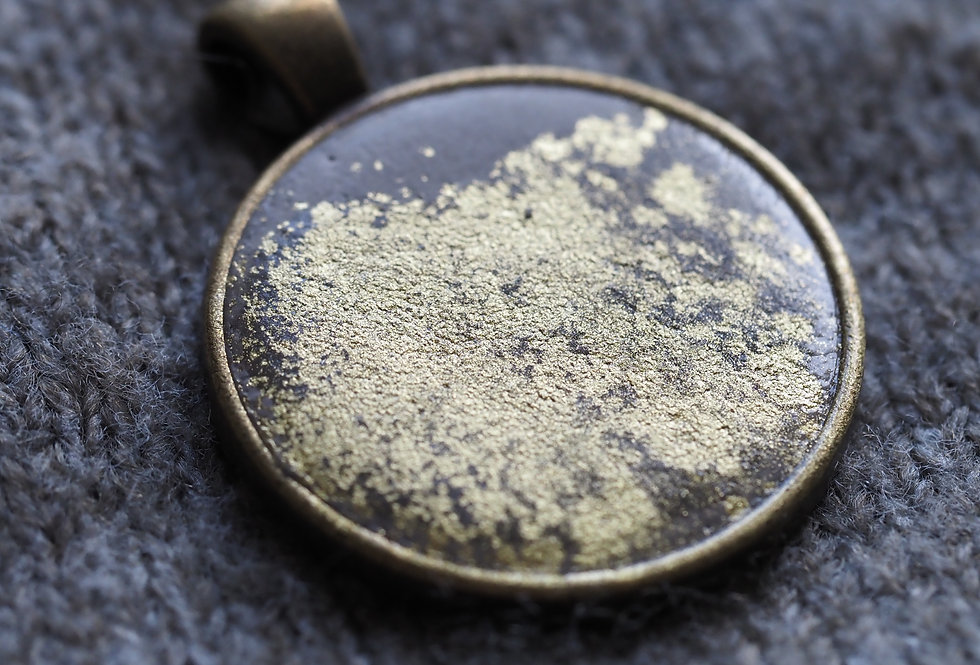 golden dust pendant