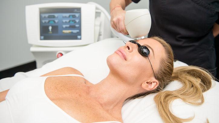 Top FAQs about Venus Versa™ Acne Treatments