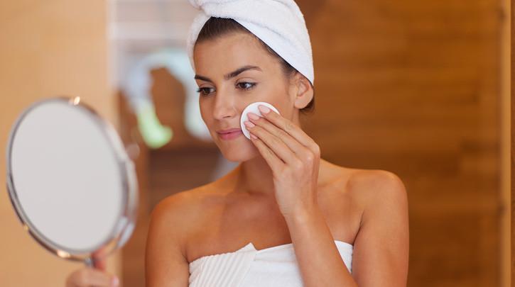 3 Major Acne Myths Doing More Harm Than Good