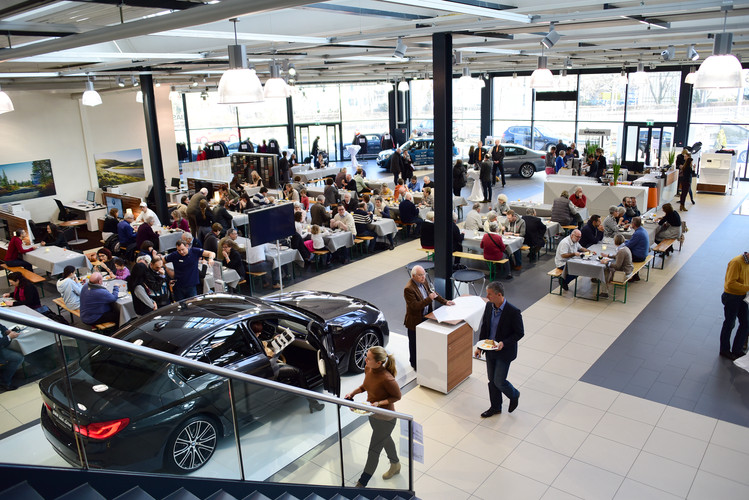 Emil Frey BMW Ausstellung