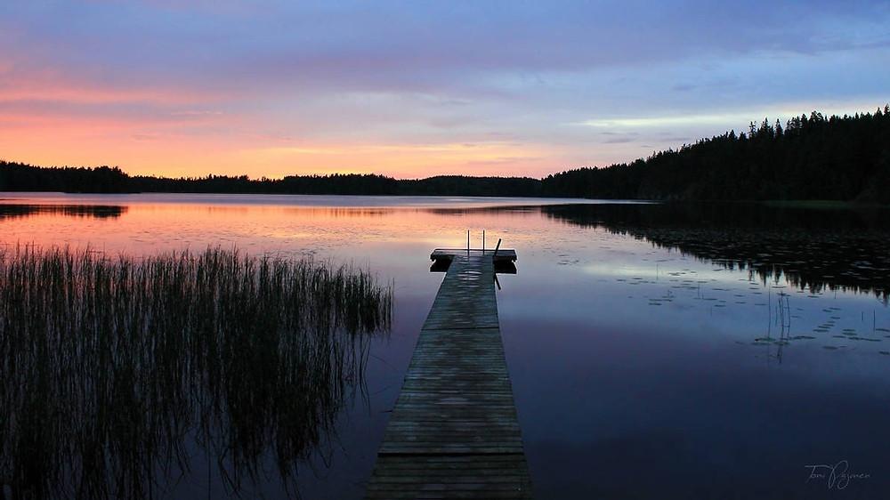 daylight savings time change outdoors lake