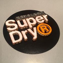 Logo cake Superdry