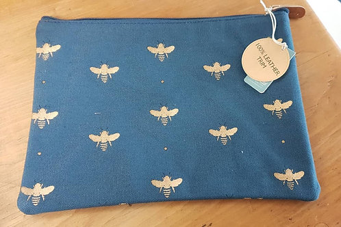 Navy larrge pouch - Bees