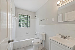 2129 Clanton Terrace-Bath 2.jpg