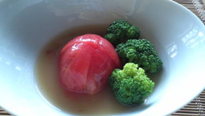 冷やしトマトとブロッコリー
