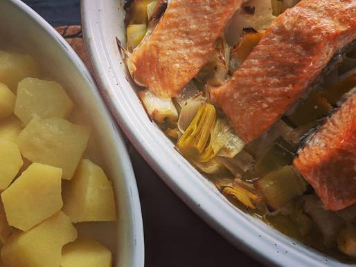 Saumon, émincé de poireaux et pommes de terre vapeur