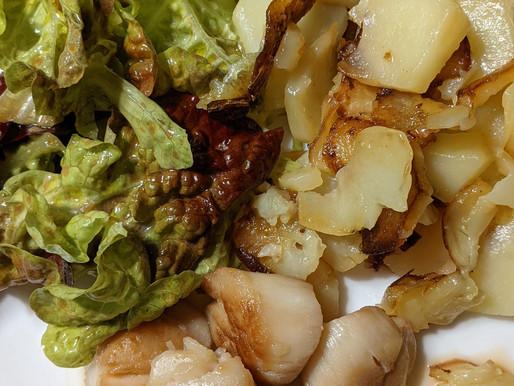 Noix de Saint Jacques et pommes de terre sautées