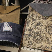 Gifts---Purse-&-Hat.jpg