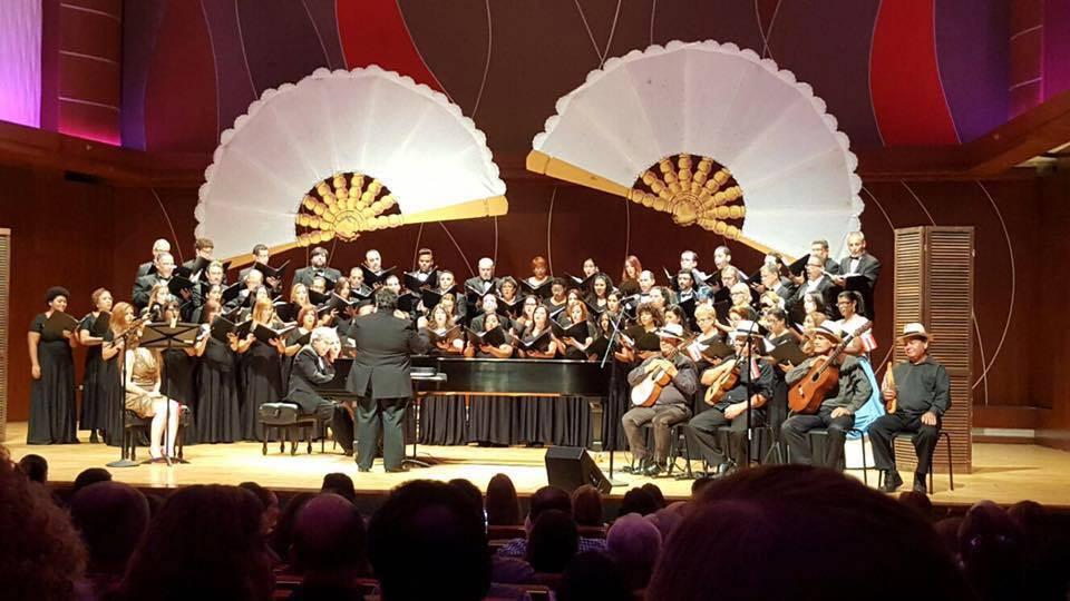 Archivo / El CNPR en uno de sus conciertos de danza puertorriqueña junto a la Orquesta Criolla Nacional Mapeyé.