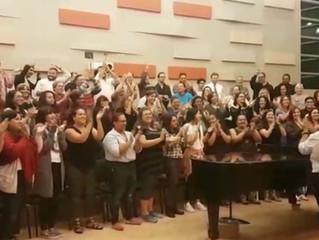 Coro Nacional le canta al Equipo Nacional de Béisbol