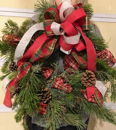Wreath-Mariah-2019-11-19_edited_edited.j