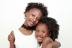 sisters-3484744_1920