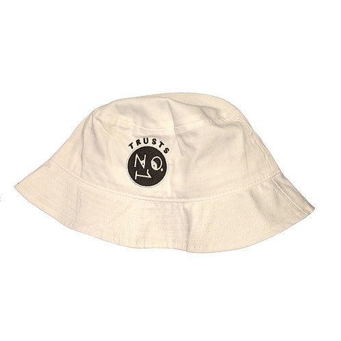 Trusts No.1 Bucket hat - White