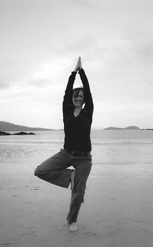 Dr Niamh Moloney, highly qualified and experienced physiotherapist runs THRIVE Beyond Pain Yoga: small yoga classes for people with persistent pain problems (back pain, neck pain, sports injuries) at THRIVE Physiotherapy in Guernsey