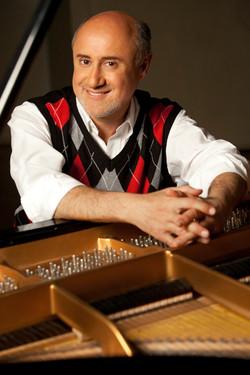 Dmitry_Classical Pianist headshot