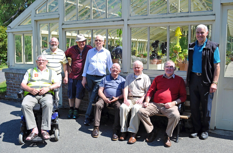 Group-at-Botanic-Gardens