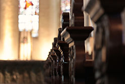 Los pasillos de la iglesia