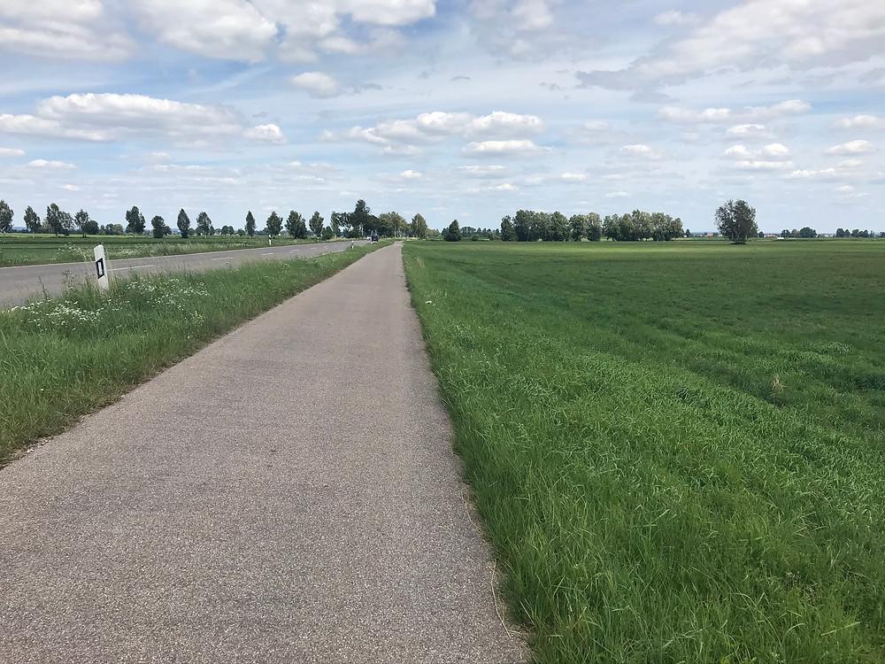 Lange Straße - Durchhalten auf den letzten Kilometern vor Neuburg