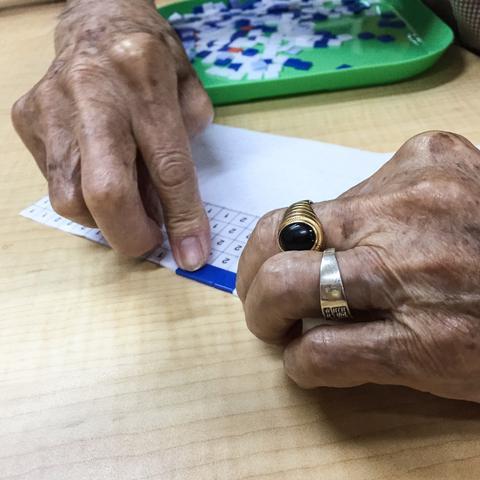wahsosimple craft workshop with seniors mosaics
