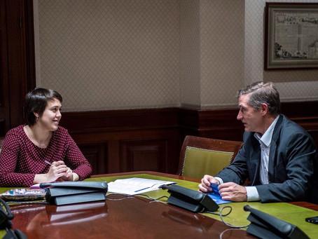 Dª. Teresa Arévalo, en representación de Grupo Parlamentario Unidos-Podemos, solicitará a la Comisió