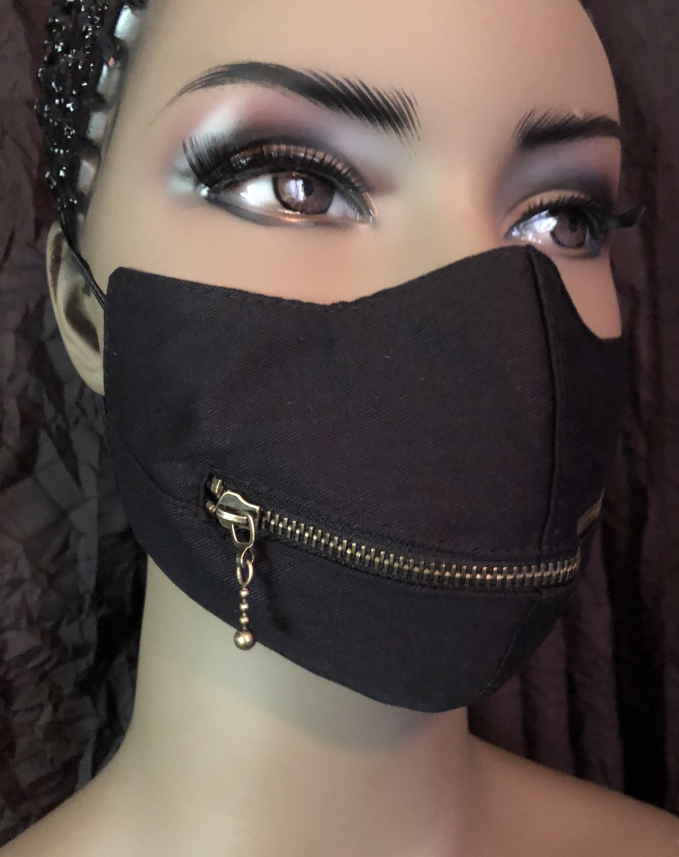 Black Horizontal Zipper Mask