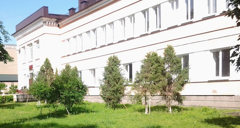 Здание БСМЭ (после ремонта крыши)