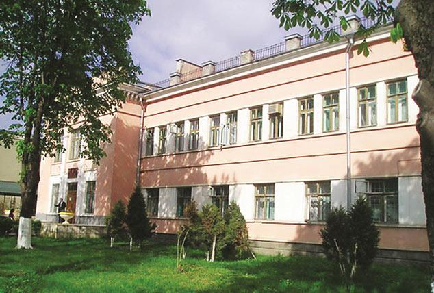 Здание БСМЭ (до ремонта крыши)