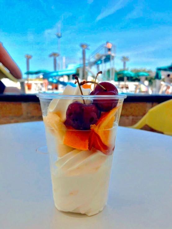 Snack Bar self service gelato con frutta