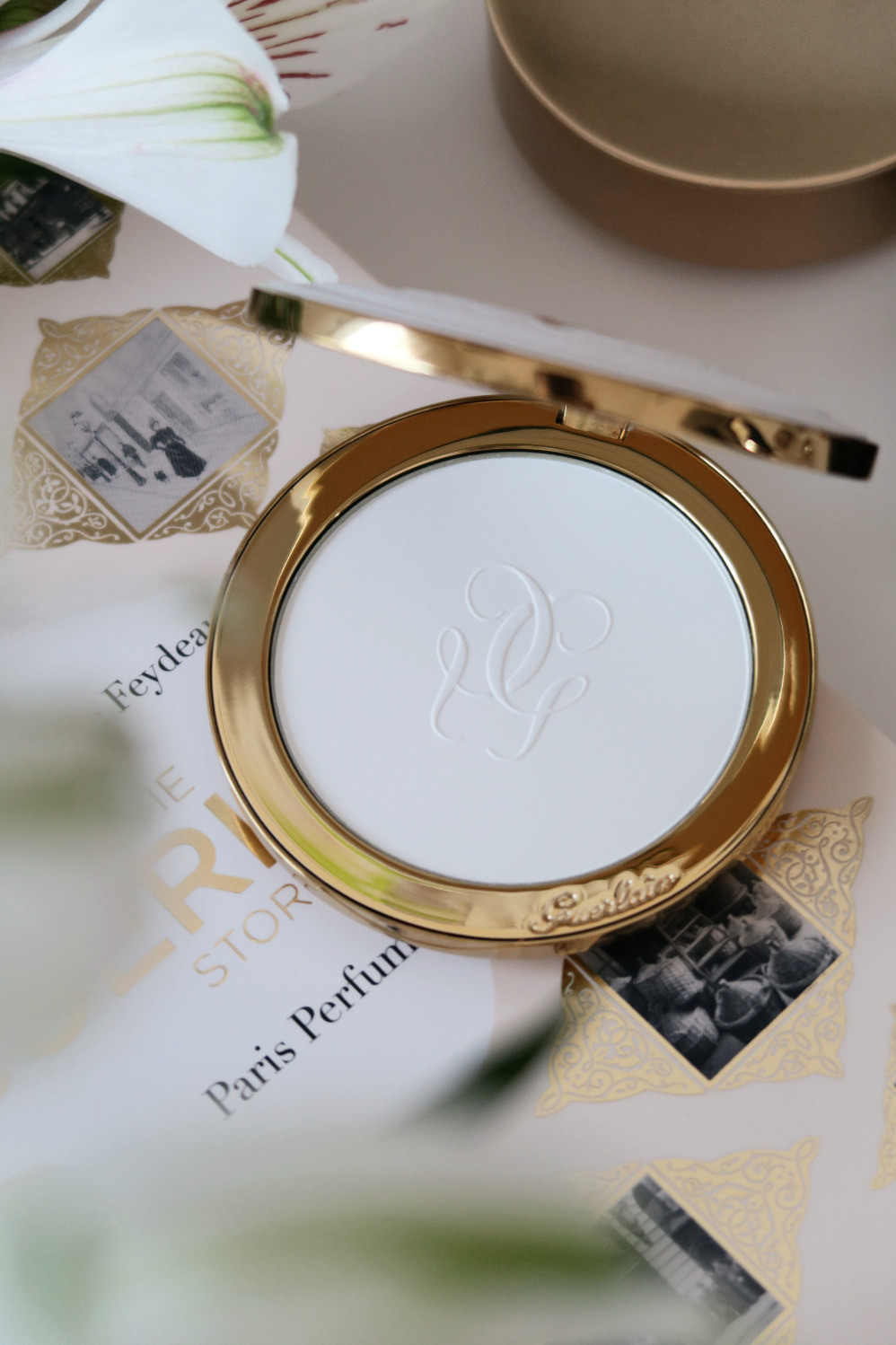 guerlain ladies in all climates powder review
