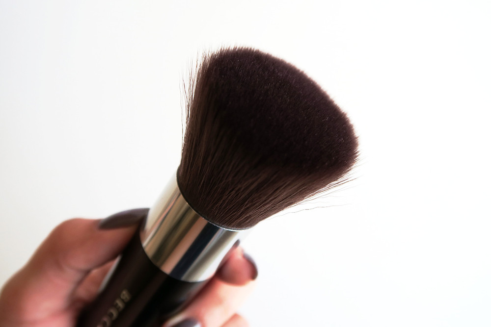 becca cosmetics soft kabuki brush review